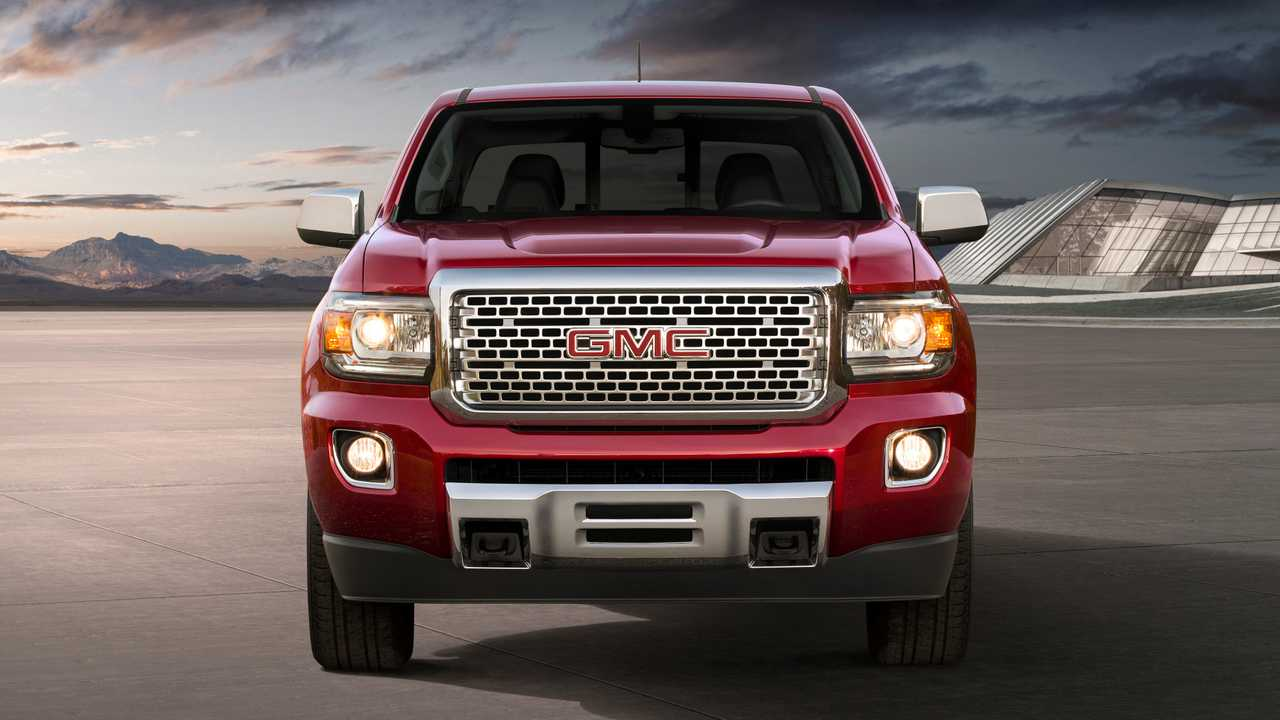 GMC Finally Shows Us 2021 Canyon Denali's 'Heroic Grille ...