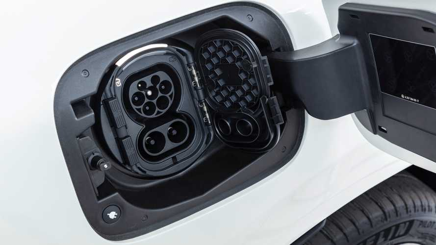 Mercedes joins UK's largest EV charging network