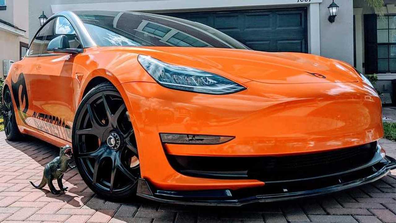 Orange-Tesla-Model-3_Stormbreaker-Front