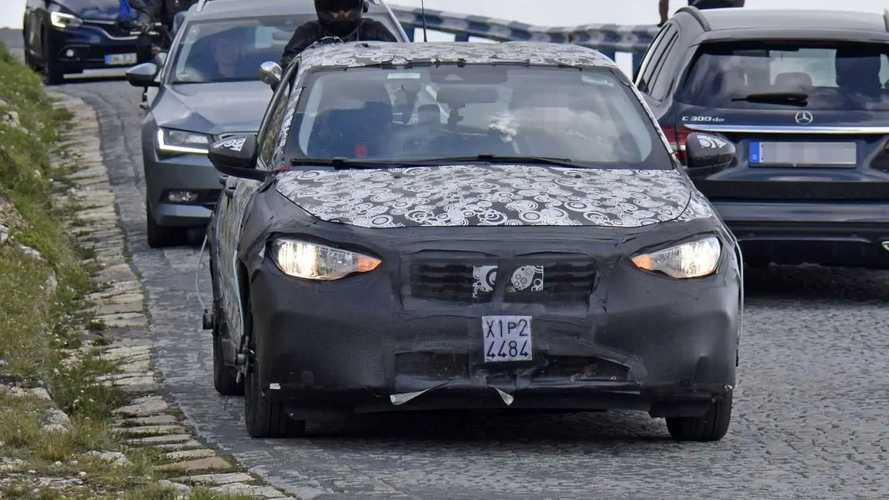 Fiat Tipo Cross, nuove spy photo