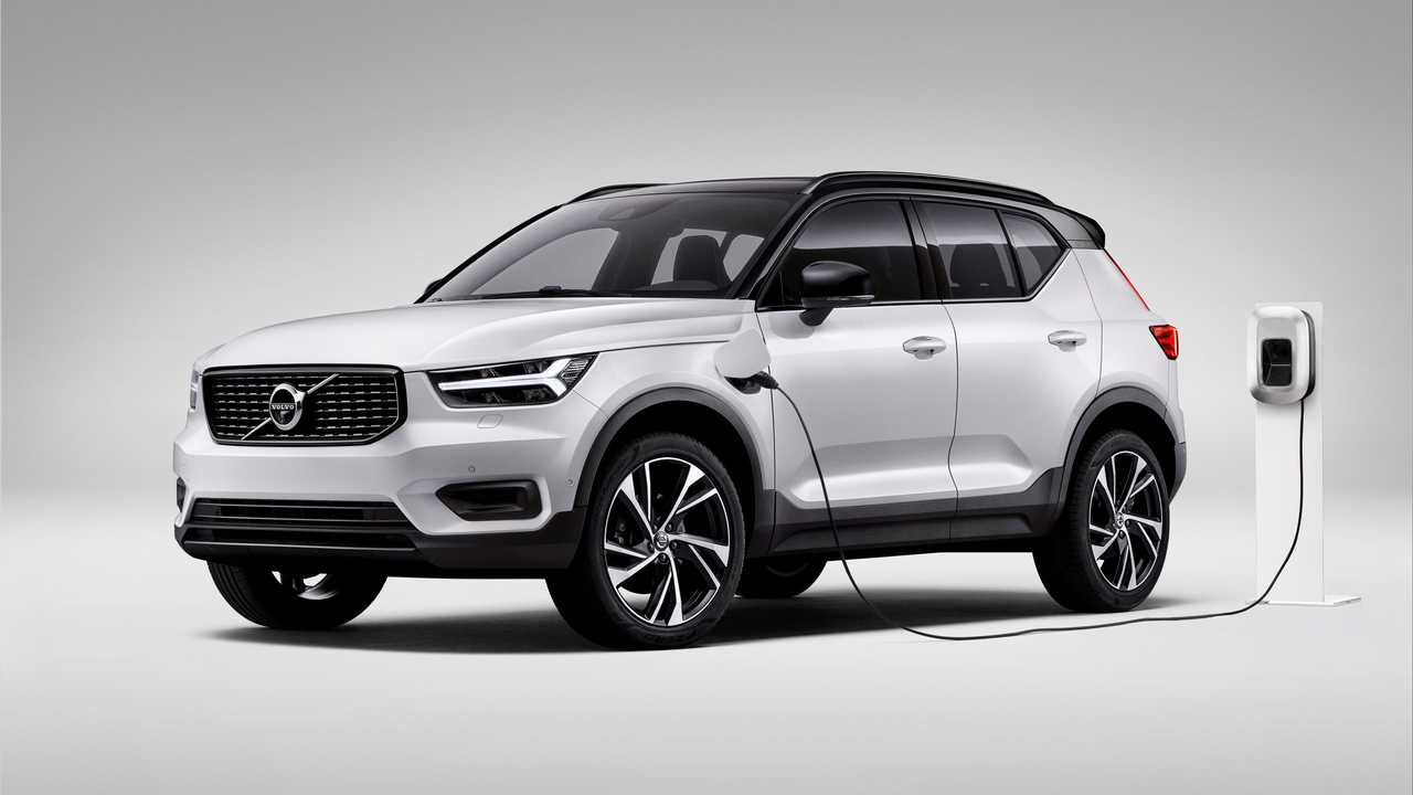 Volvo XC40 Recharge Plug-in Hybrid charging
