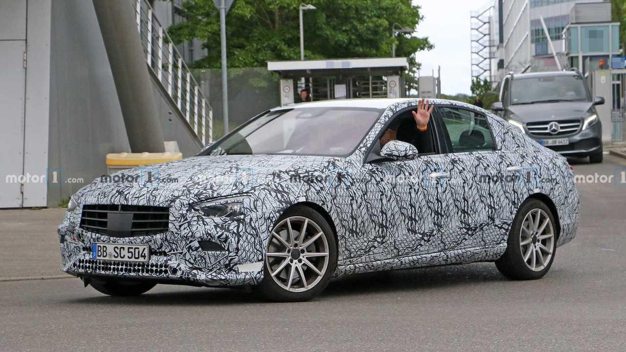 2020 Mercedes C-Serisi Sedan yeni casus fotoğraf