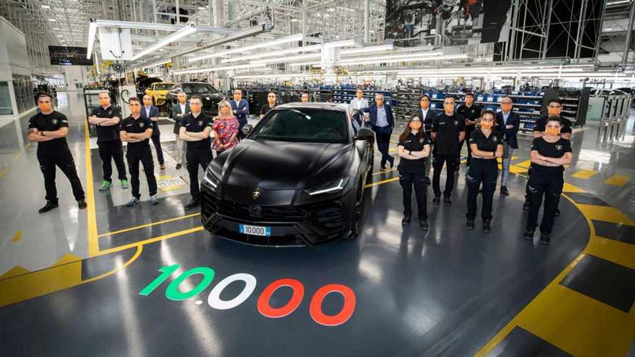 Lamborghini Urus, 10.000 super SUV prodotti in meno di due anni