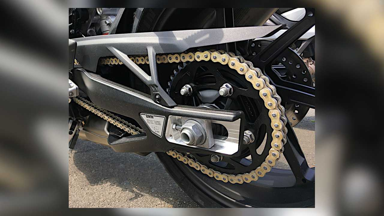 BMW M Endurance Chain Angle View