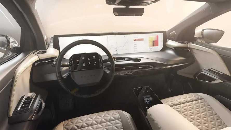 Byton montre l'intérieur du M-Byte et son gigantesque écran