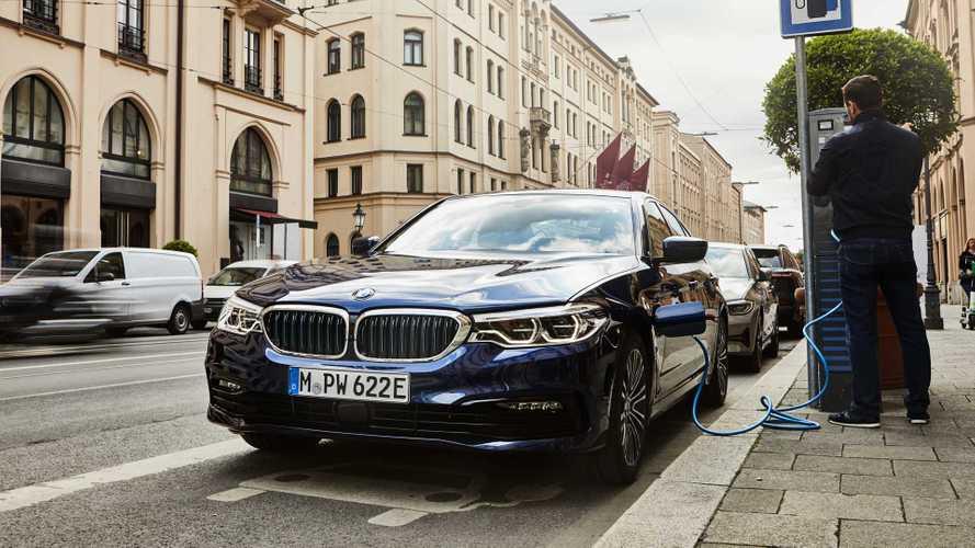 BMW 530e 2020, per l'EPA solo 20 miglia in elettrico