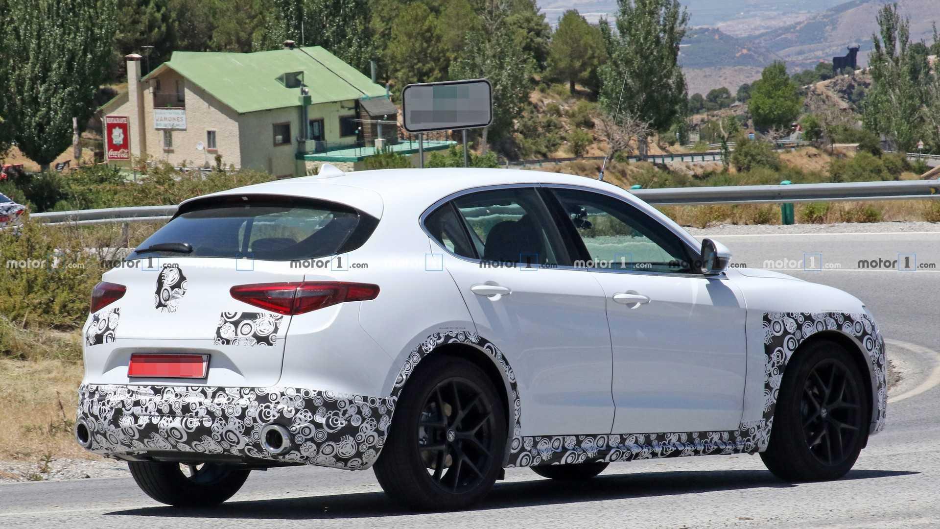 2020 Alfa Romeo Stelvio Facelift 29