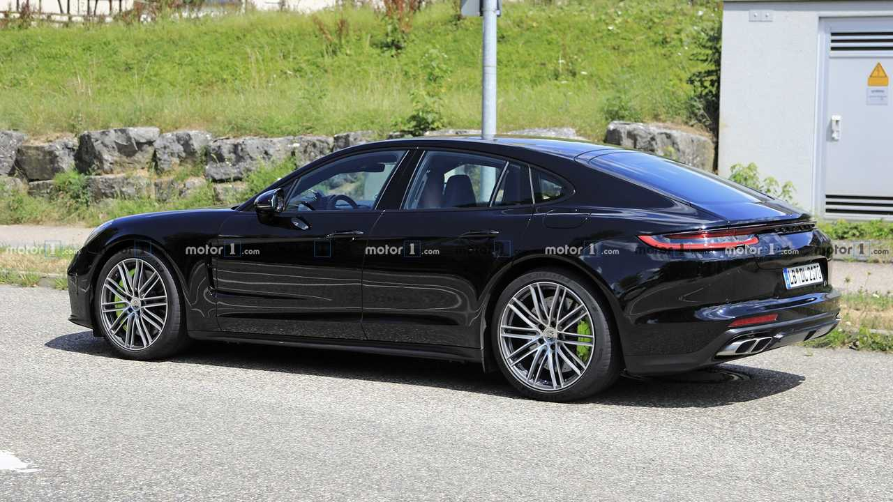 2021 porsche panamera facelift spy photo  4259302