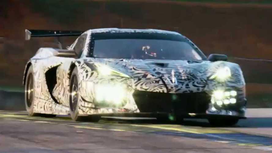 Yeni Corvette'in yarış versiyonu C8.R'ın ilk resmi görüntüleri