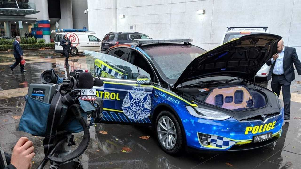 victoria police put tesla model x into operational fleet. Black Bedroom Furniture Sets. Home Design Ideas