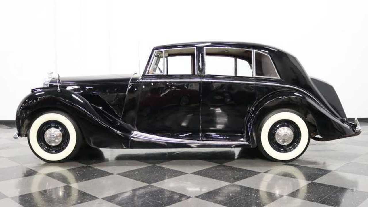 1949 Bentley Mark VI Offers Surprising Fun