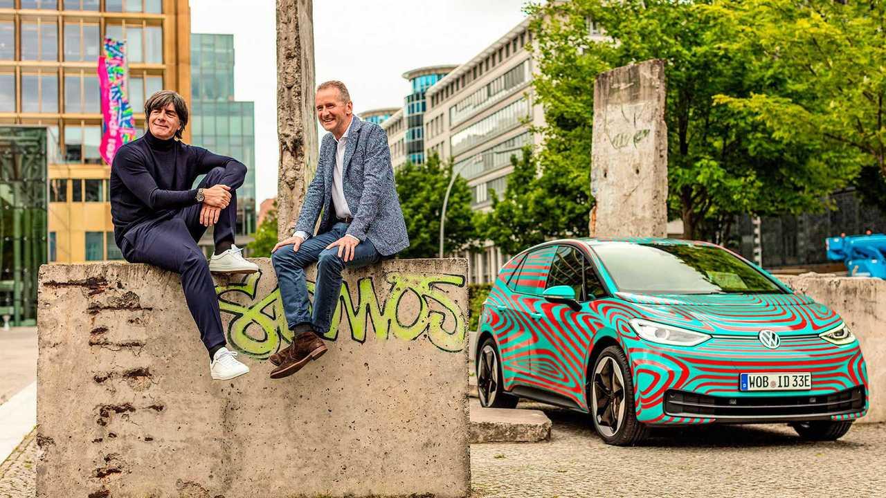 Volkswagen ID.3 und Joachim Löw