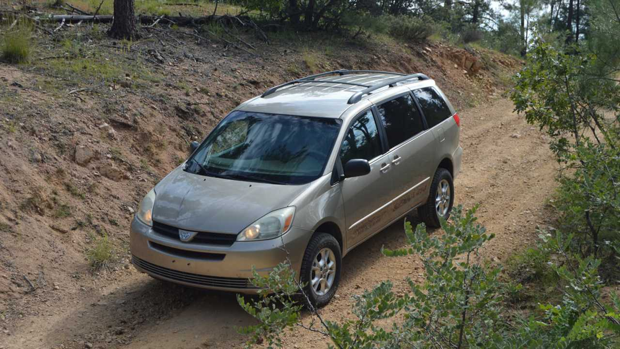 Toyota Sienna Lift Kit 1 of 7 | Motor1 com Photos