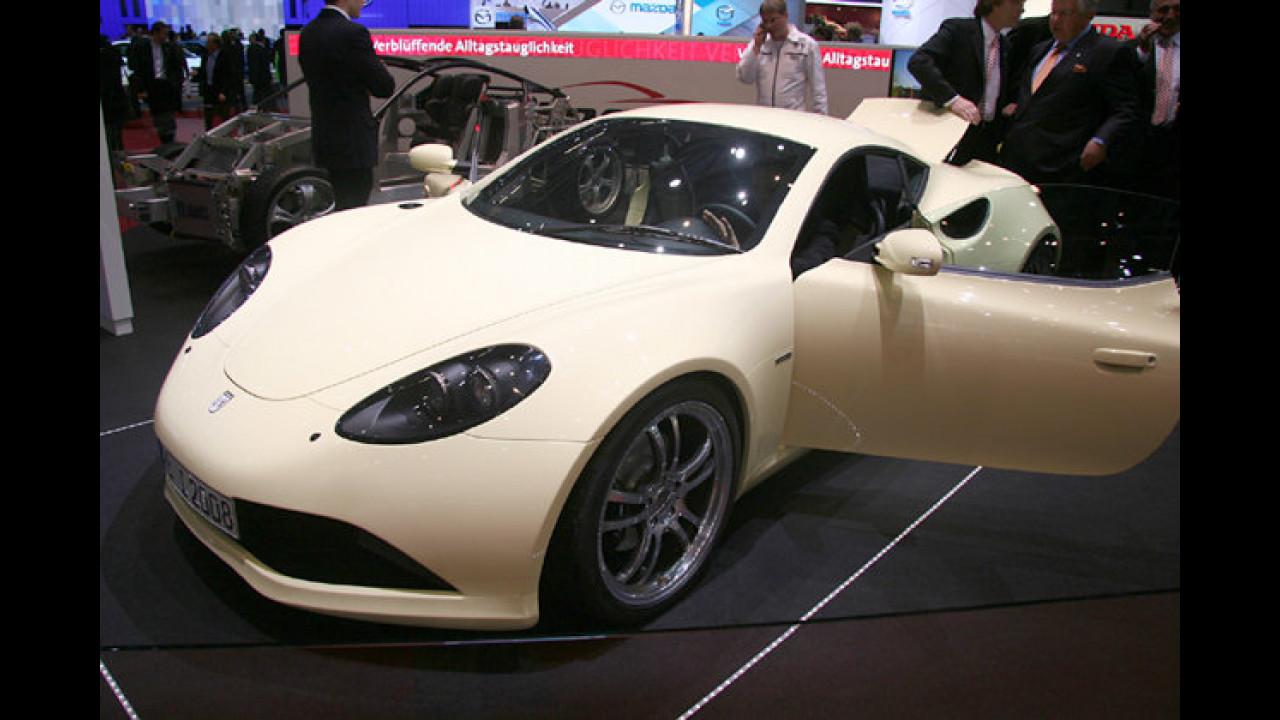 Weltpremiere: Die Serienversion des deutschen Sportwagens Artega GT gibt in Genf ihren Einstand