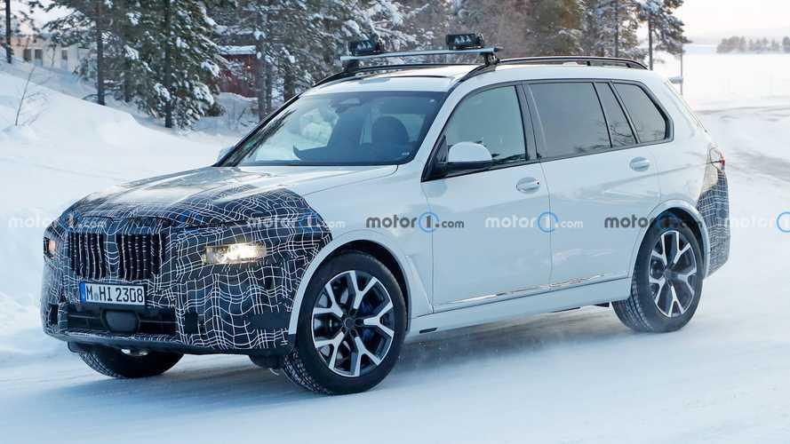 BMW X7 Facelift als Erlkönig erwischt