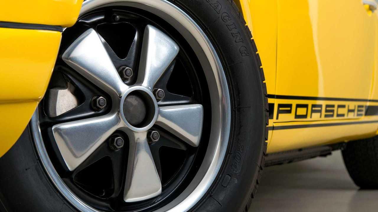 Ecco una carrellata di ruote il cui disegno ha reso celebri le auto tanto che basta vederli per riconoscerle