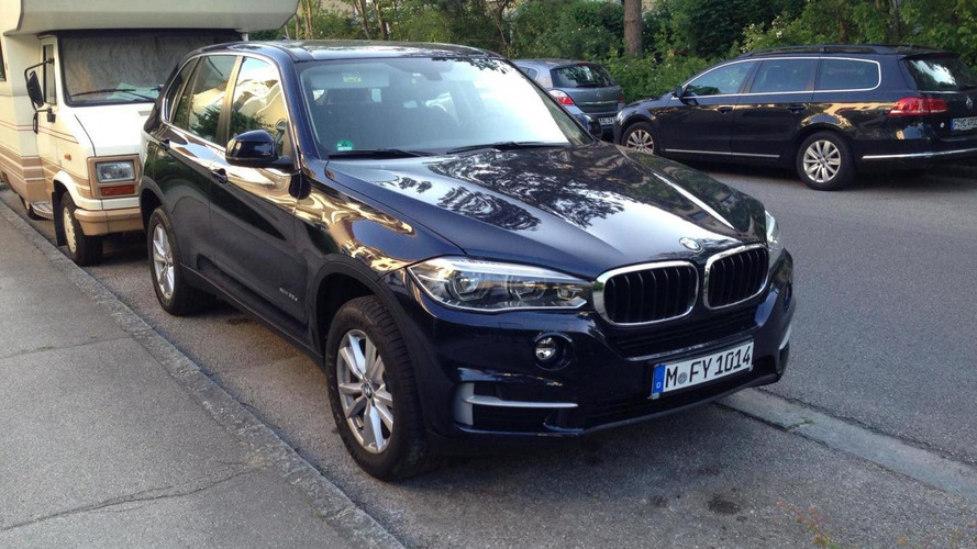 See the 2014 BMW X5 in two additional live photos