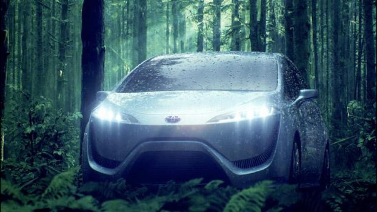 [Copertina] - Toyota, nel 2015 la prima ibrida con celle a combustibile fuel cell