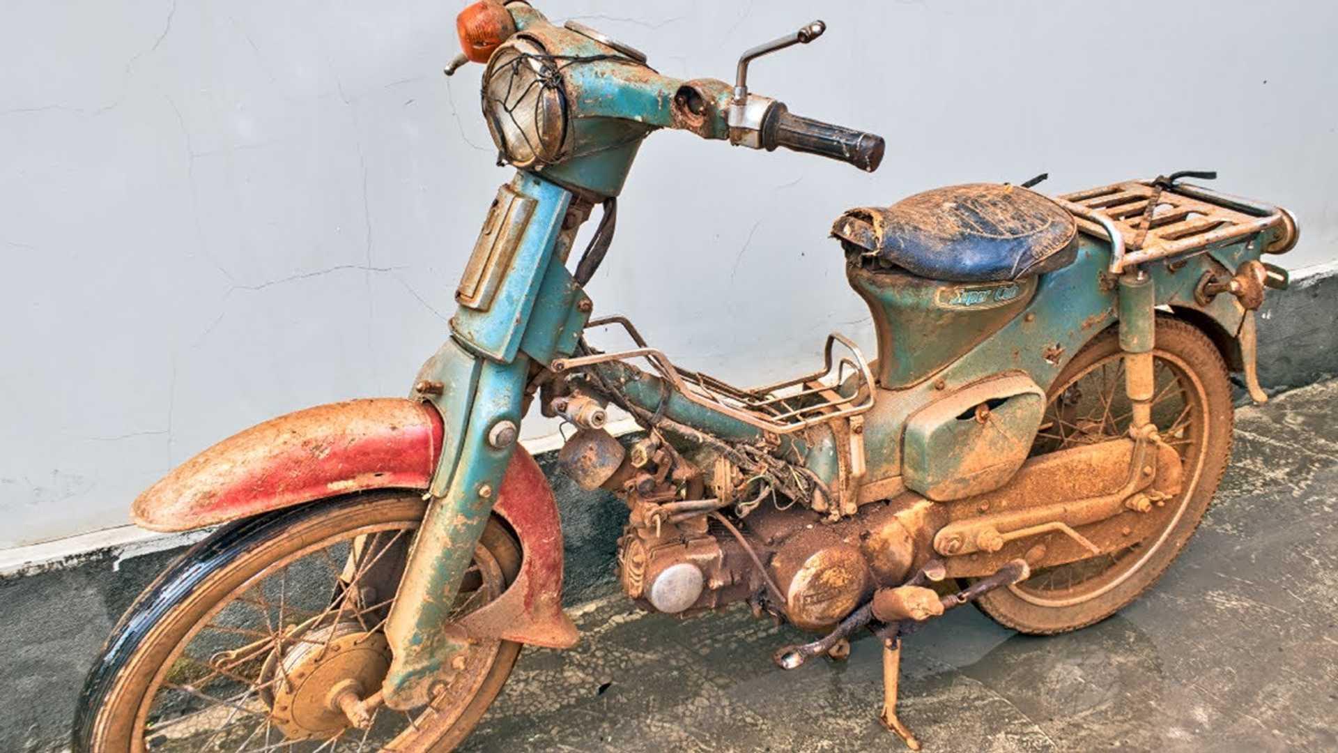 Watch A Honda Super Cub Go From Rust Bucket To Retro Beauty