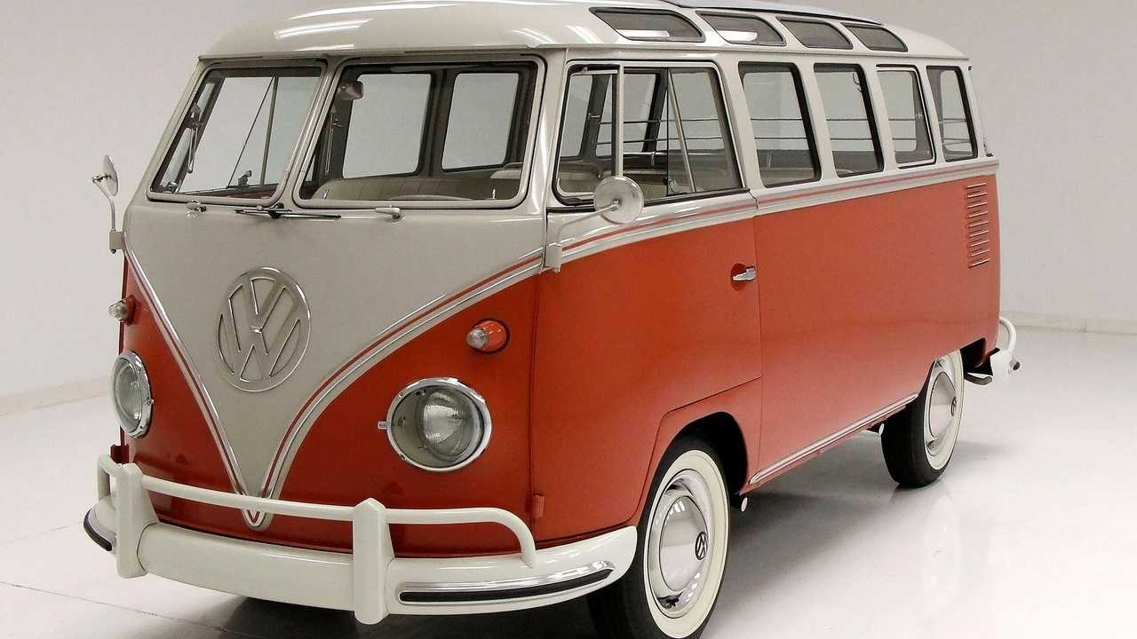 Cruise In A 1961 Volkswagen Microbus