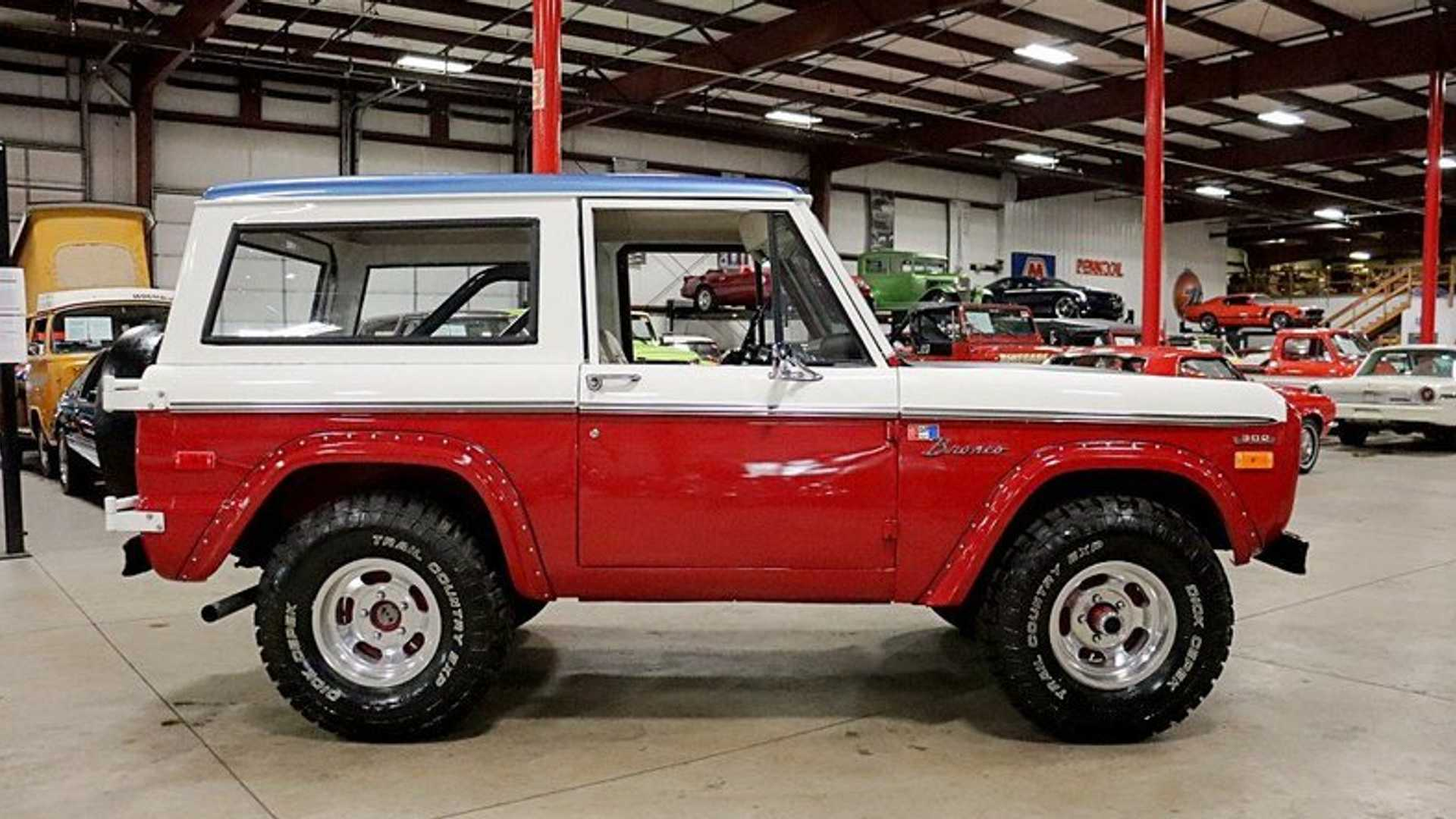 "[""Hit The Dunes In This 1970 Baja Bronco Tribute""]"