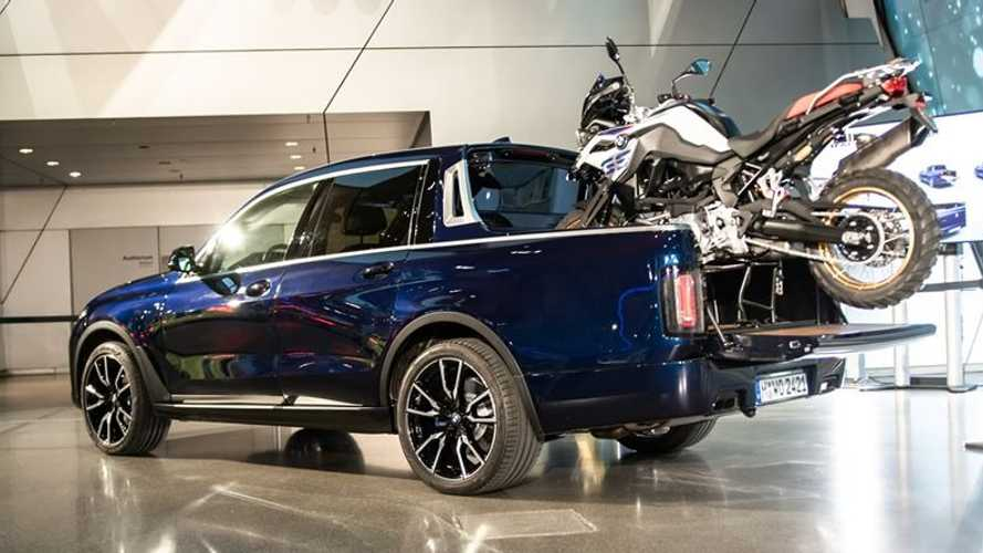 You can now see the unique BMW X7 pickup in the metal