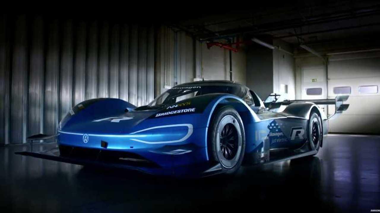 Watch The Electric VW I.D. R Embarass a McLaren 720s In A Drag Race