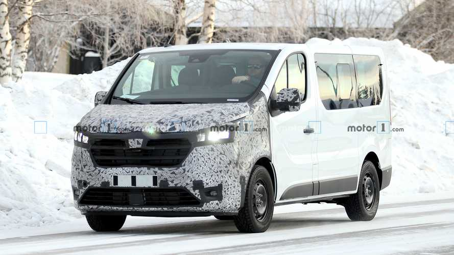 2021 Renault Traffic facelift spy photos