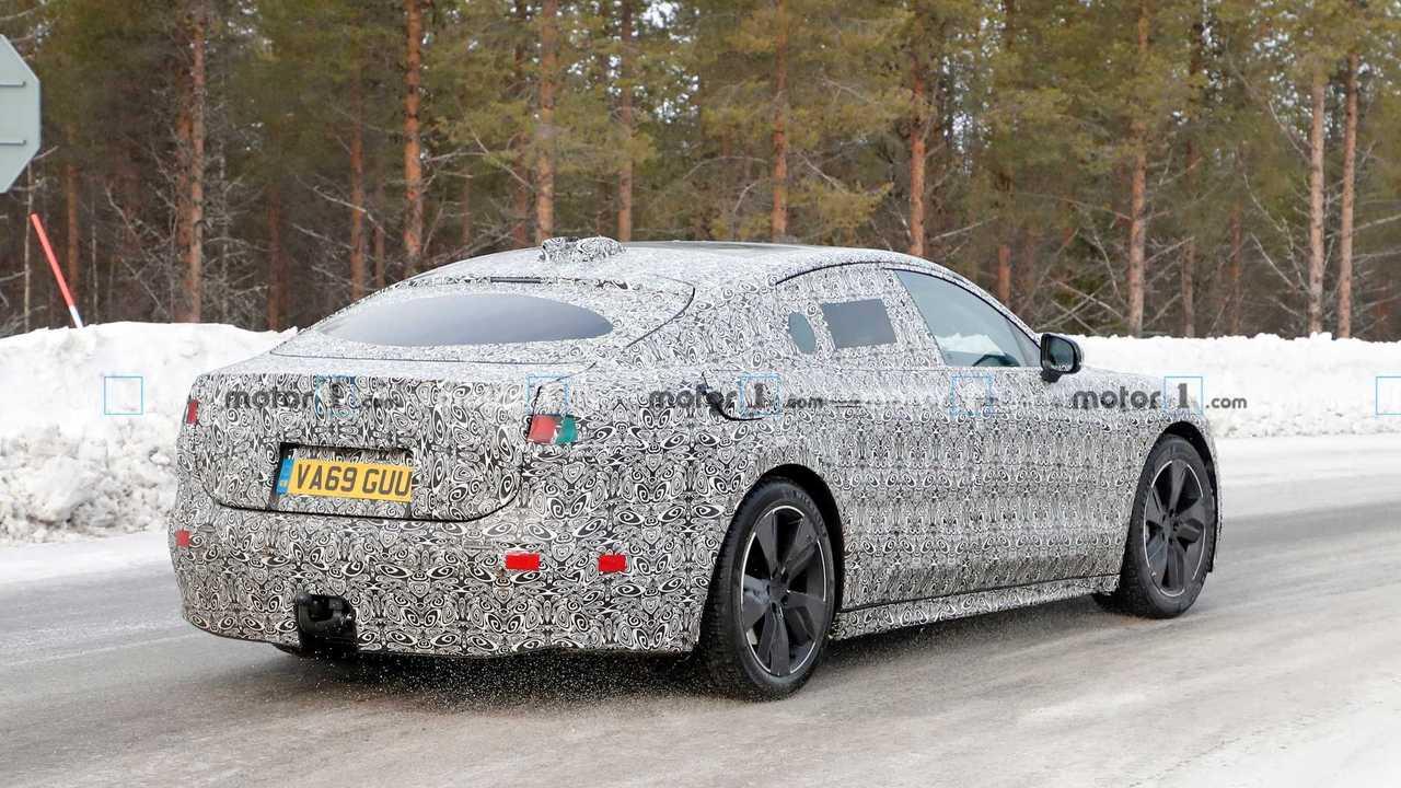 Шпионские фото электрического Jaguar XJ