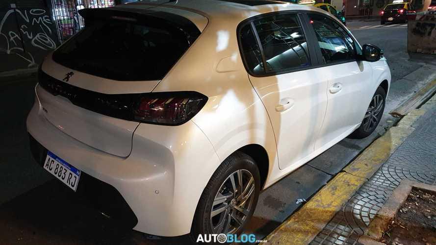 Novo Peugeot 208 começa a ser produzido na Argentina e virá ao Brasil em breve