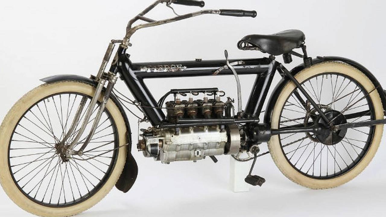 Retro: 1911 Pierce Four-Cylinder