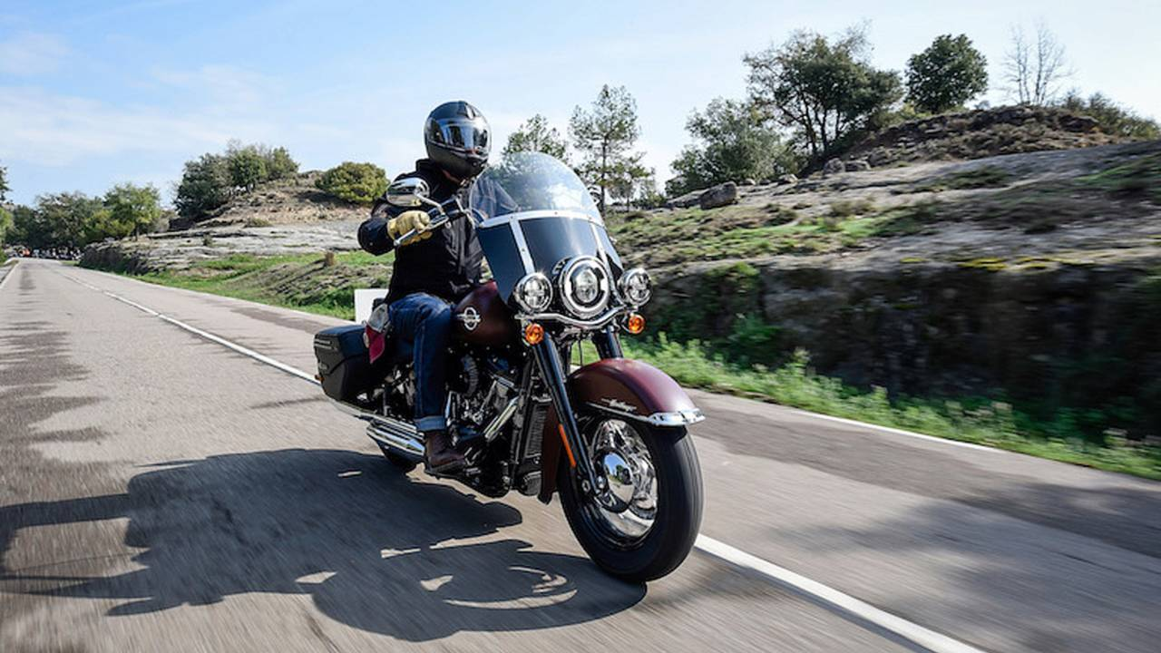 First Harley Davidson: First Ride: 2018 Harley-Davidson Heritage Classic 114