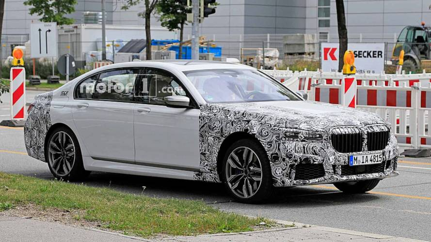 Refreshed BMW 7 Series spied cruising, shows off bigger grille