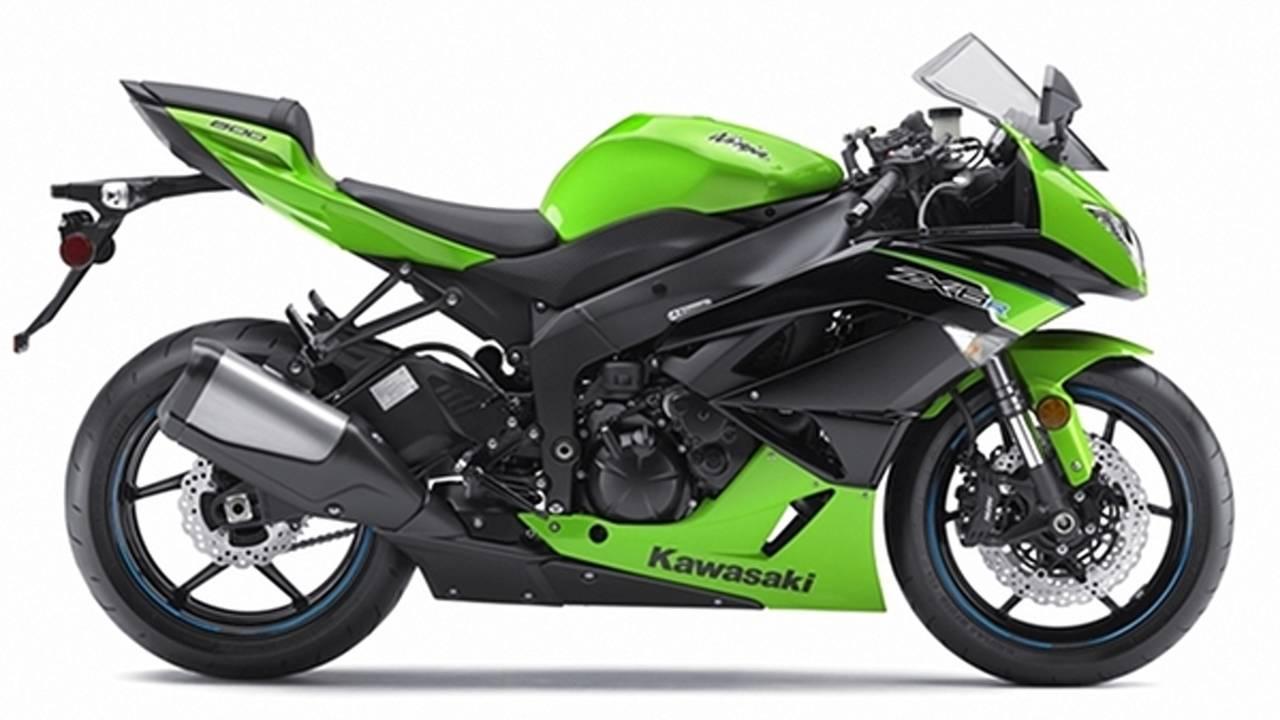 This is the 636cc 2013 Kawasaki ZX-6R