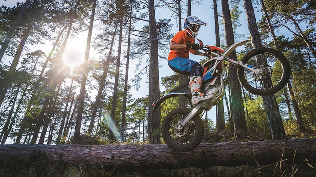 KTM Shows 2018 FreeRide E-XC