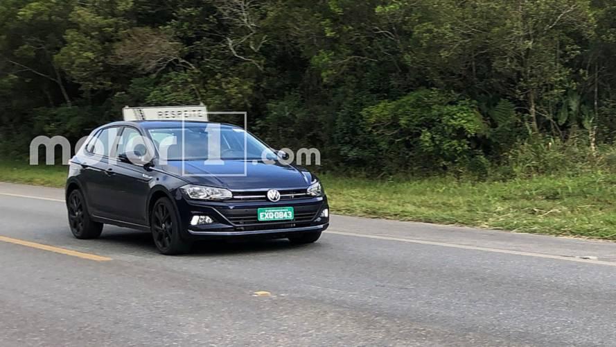 Flagra: VW Polo GTS surge em testes com rodas do GTI europeu
