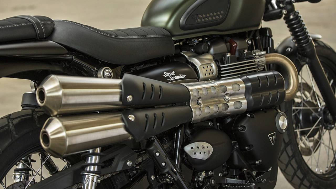 The Street Scrambler's pipes look cool and make a good (albeit socially acceptable) sound.