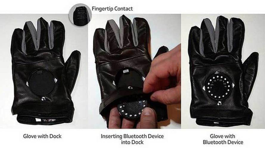 TurnPoint Smart Glove Uses LED to Display GPS Turns