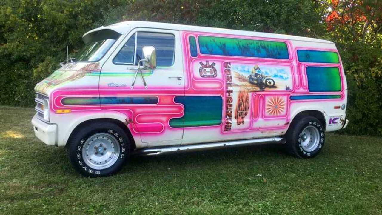 Dodge Husky Shaggin Wagon Feature