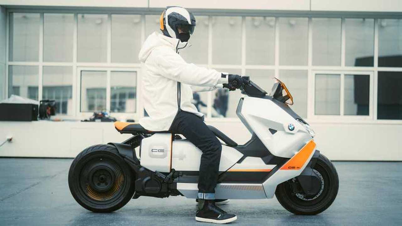 BMW Motorrad Definition CE 04 - Parked