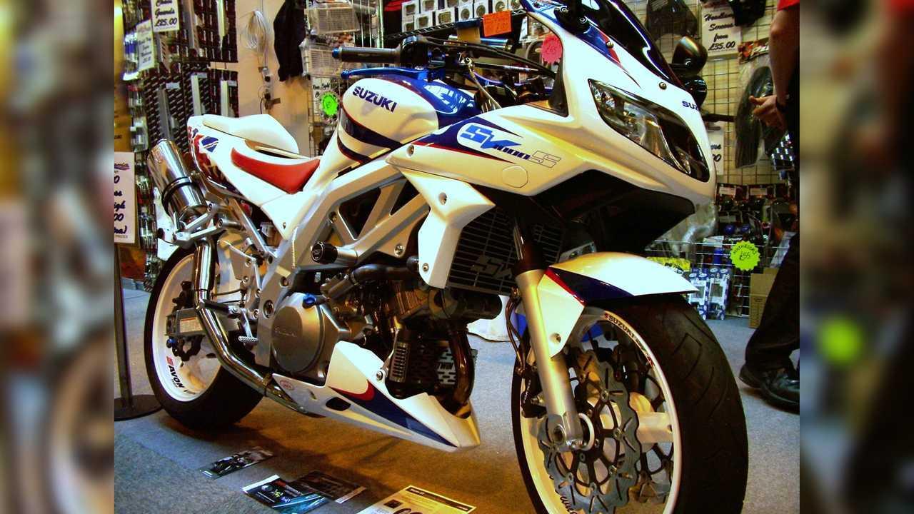 Suzuki SV1000