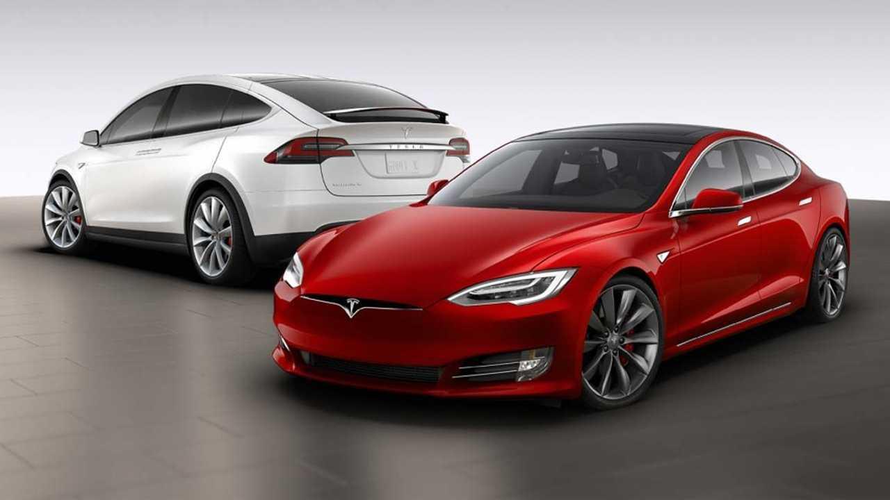 Una Tesla Model S e una Tesla Model X