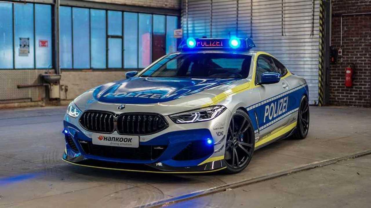 Auto della polizia BMW M850i di AC Schnitzer