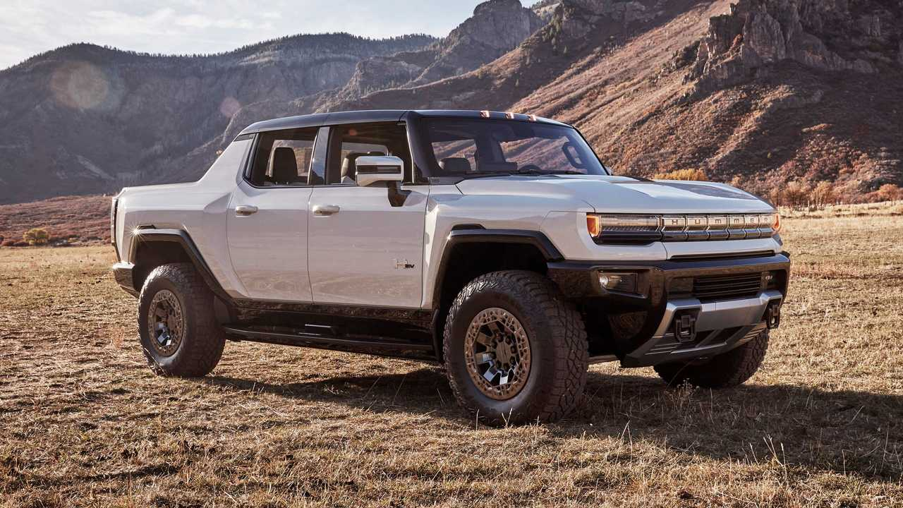 2022 GMC Hummer EV Front Side Mountain