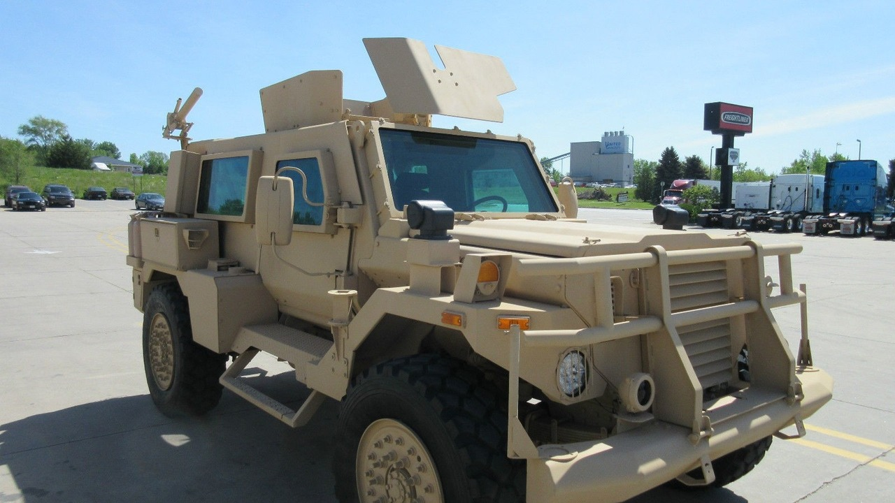 Used Armored Cars For Sale Ebay >> Yes You Can Buy An Mrap Military Vehicle On Ebay