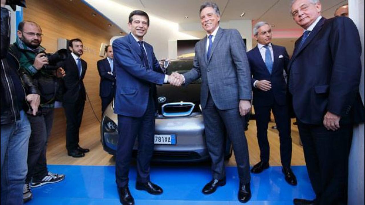 [Copertina] - Auto elettrica: a Maurizio Lupi una BMW i3