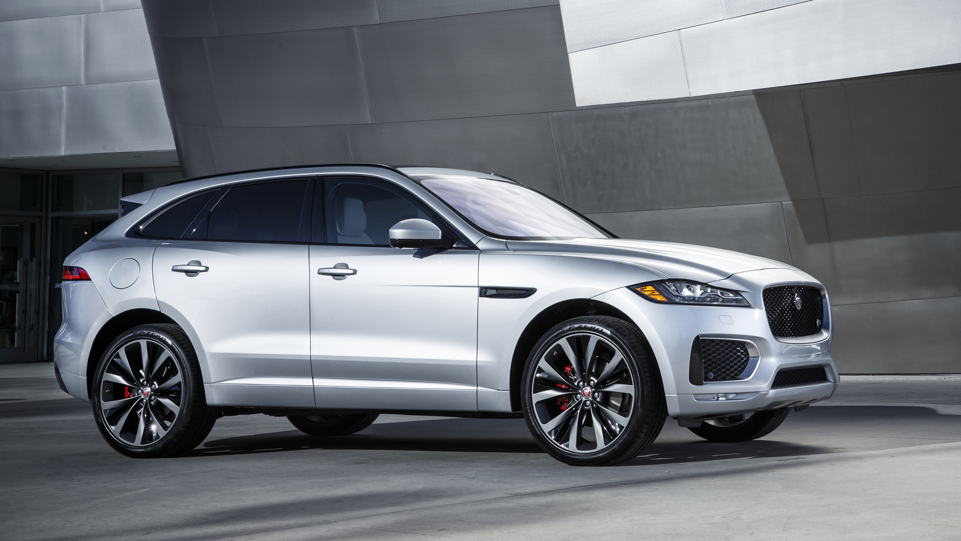 Jaguar F-Pace 2017 model year will be available soon 66