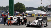 #2 Porsche 919 Hybrid passed the #5 Toyota TS050 Hybrid