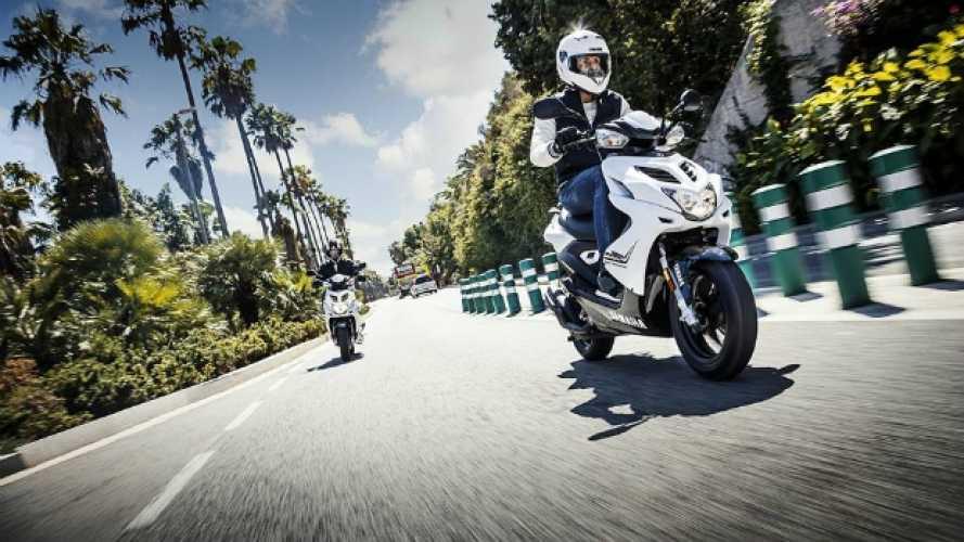 Cinque scooter 50cc per la promozione