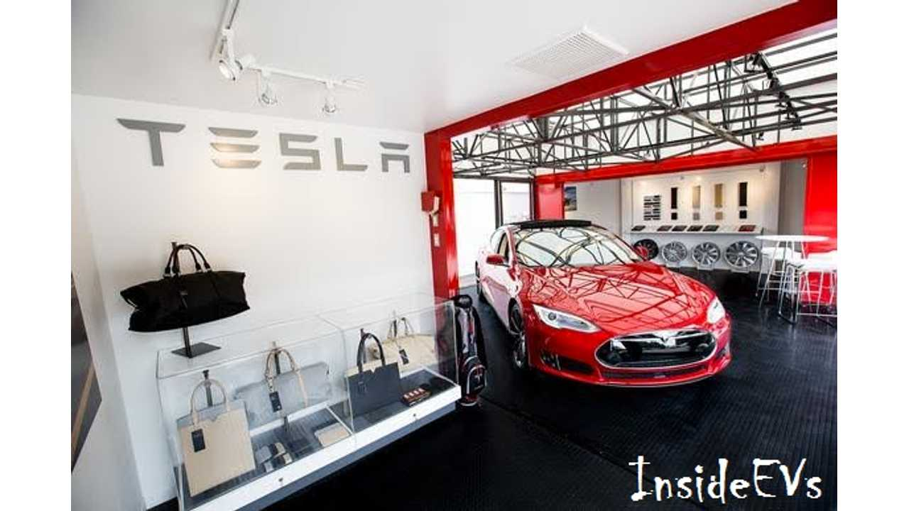 Inside Tesla's Pop-Up Store